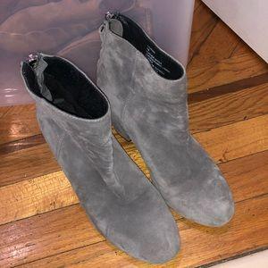 (My $13 deals) SteveMadden suede bootie size 7